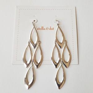 Stella and Dot silver shiny dangle earings